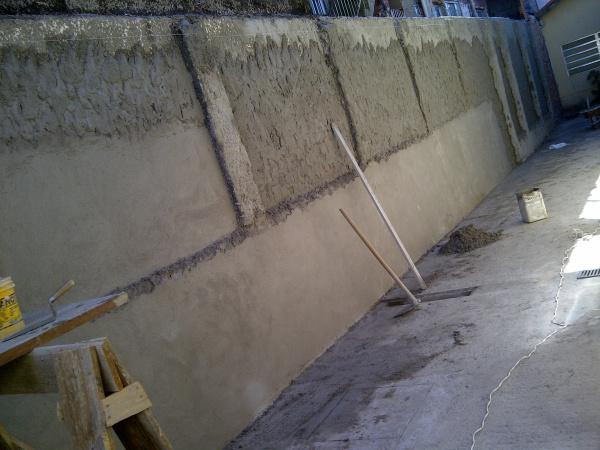 O que é chapisco em muro e qual a vantagem de chapiscar uma parede? dicas, passo a passo.